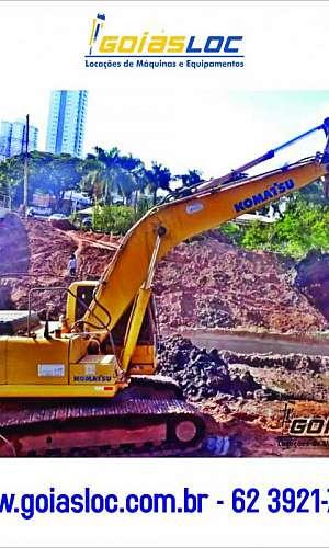 Escavadeira com rompedor hidráulico aluguel